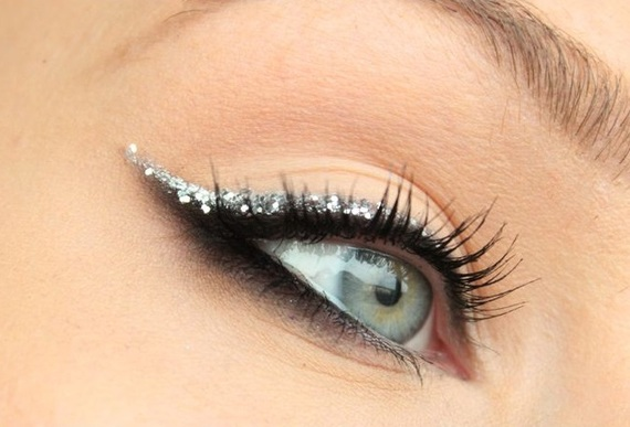maquiagem olhos prateados sombra
