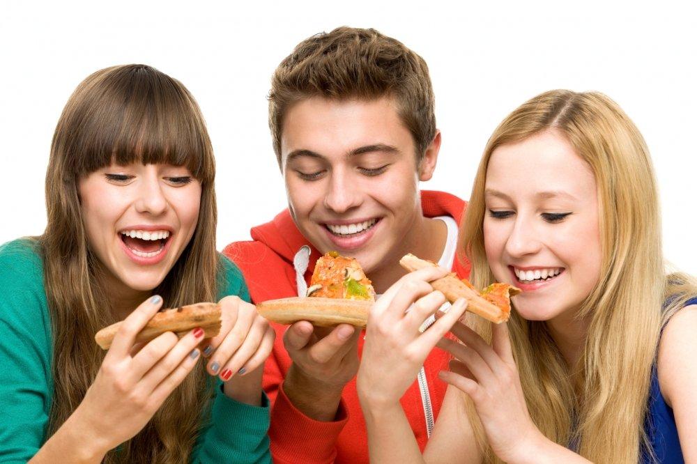adolescentes-comendo-45064